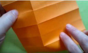 ハロウィンの折り紙 キャンディボックスの手順3